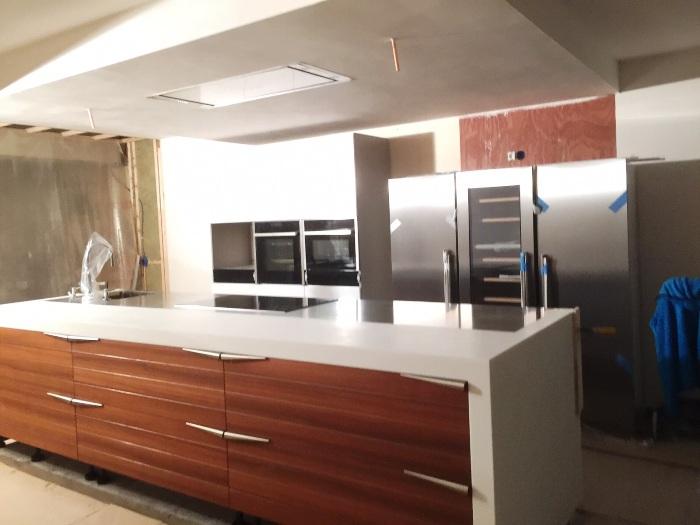 Project 689 italiaanse design keuken van snaidero snaidero concept store - Design keuken plafond ...
