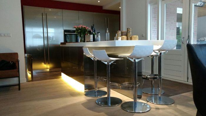 Project 717 snaidero design keuken in roestvrijstaal snaidero concept store - Keuken design werkblad ...