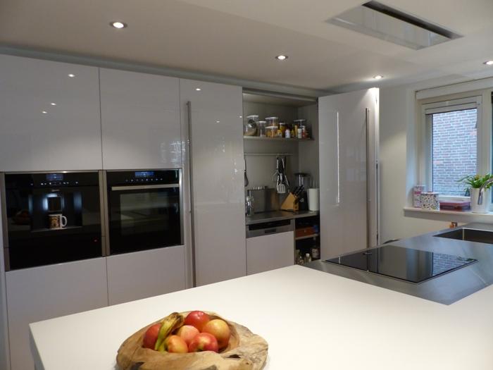 Project 746 witte italiaanse design keuken snaidero concept store - Werkblad voor witte keuken ...