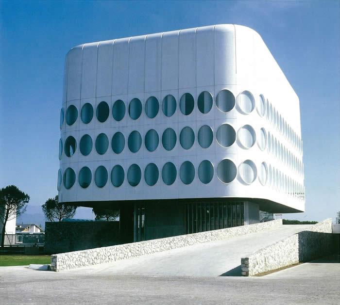 Het prachtige hoofdkantoor van Snaidero in Italië.