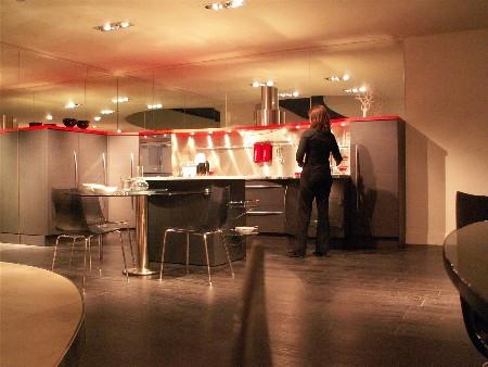 De Snaidero Skyline keuken zoals deze in Majano staat opgesteld (er staan trouwens meer opstellingen van Skyline in dezelfde showroom).
