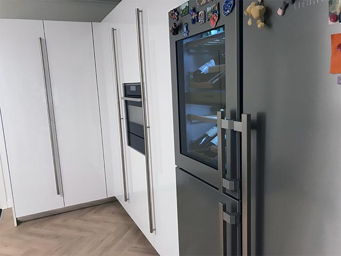 Snaidero keuken met een extra opstelling in model Code voor de bijkeuken.